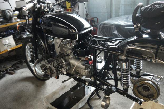 Préparation d'un side-car Ural par Est-Motorcycles URAL FRANCE