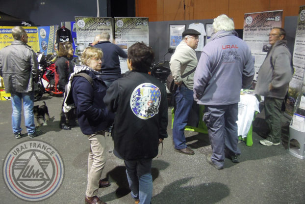 Stand en pleine action - 5ème Salon du Side-car - URAL FRANCE