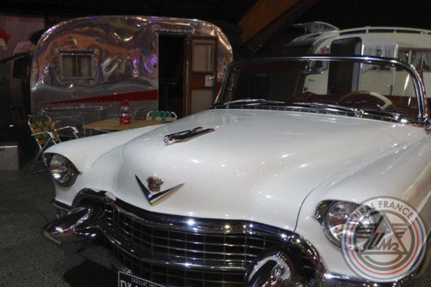Cadillac blanche et caravane - American Tours Festival - URAL FRANCE Chrome