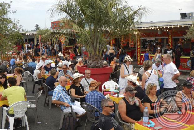 Terrasse pour une pause - American Tours Festival - URAL FRANCE