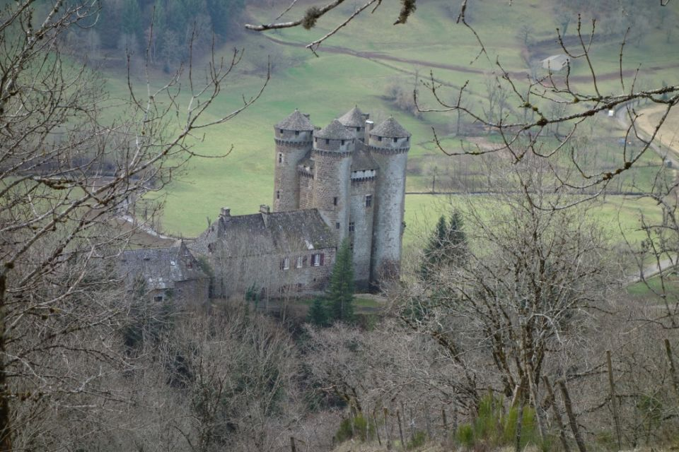 C:\Users\Usage courant\Pictures\Polminhac 2020\16- chateau d' Anjony.JPG